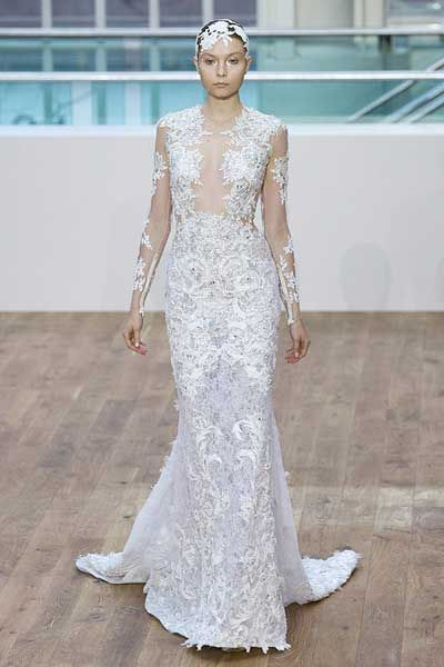 These 10 Brides Spent Way More Then A Month S Salary On Their Wedding Dresses In Fact These Are The Most Expensive Wedding Dresses Ever Most Expensive Wedding Dress Expensive Wedding Dress