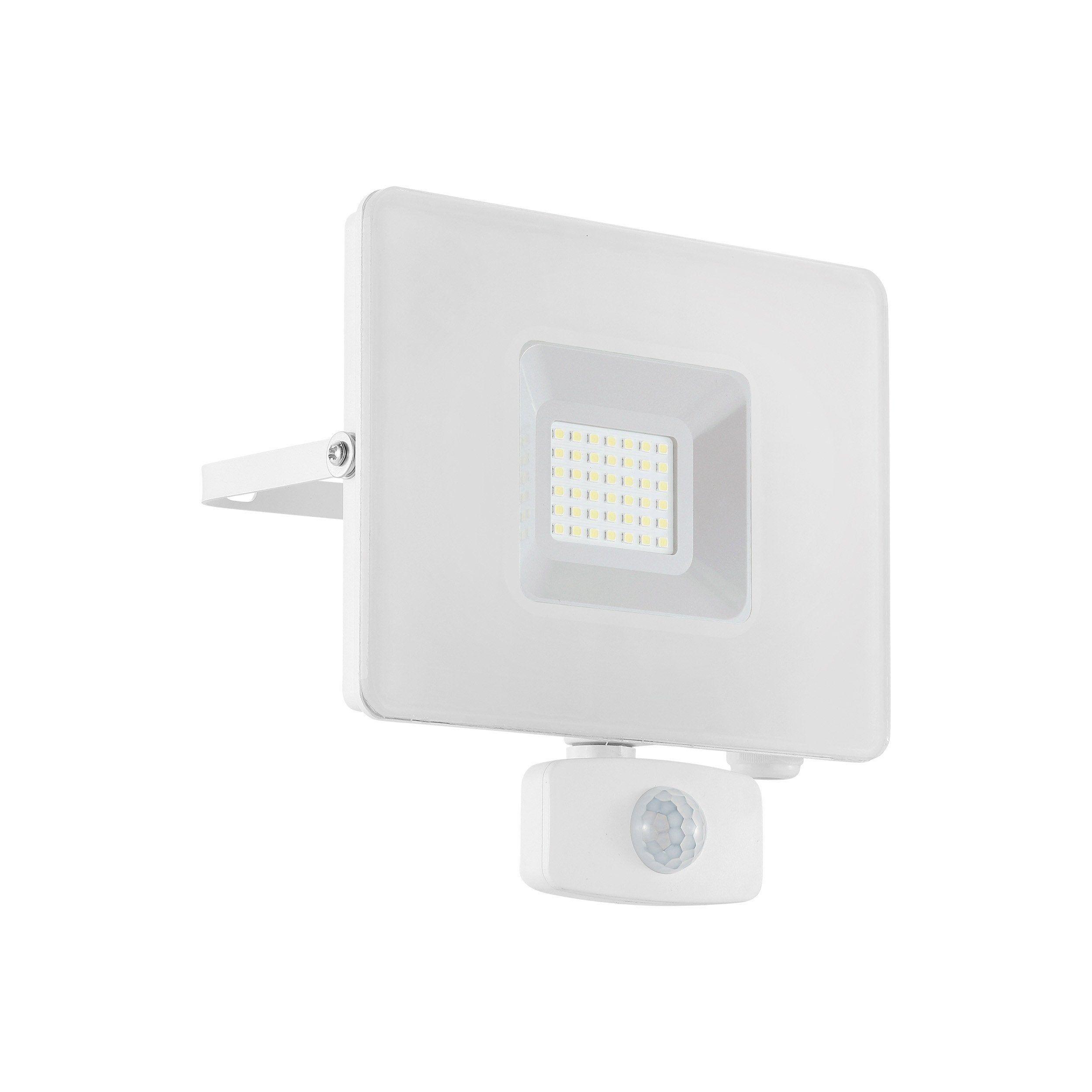 Projecteur A Fixer A Detection Exterieure Led Integree 2800 Lm Blanc Eglo En 2020 Projecteur Led Blanc