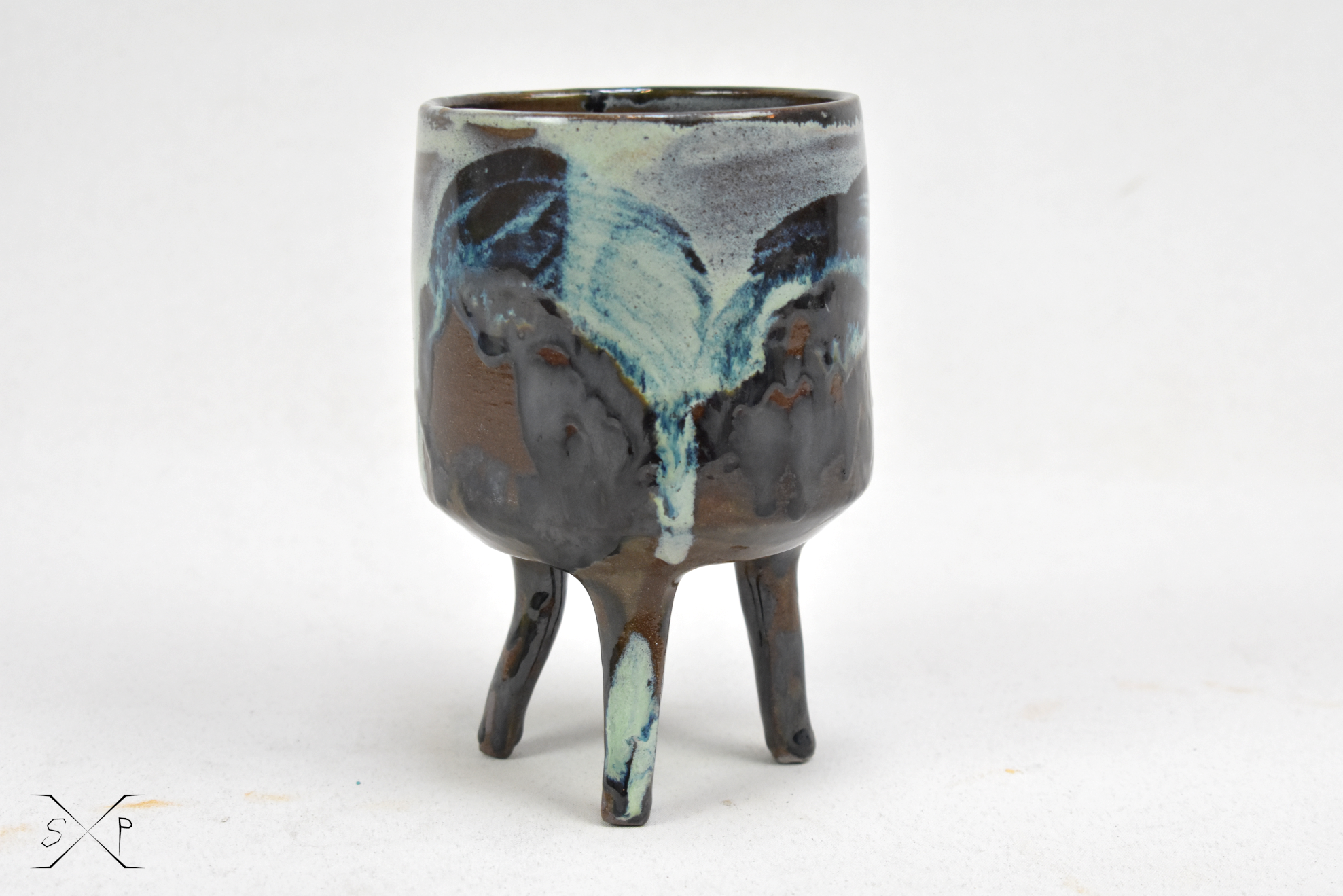 Crawling Planter!  Crawling from the shadows and ready to inhabit new organisms into its body, this planter will give you a new insight to agriculture!   #spacexpottery #contemporaryceramics #studiopottery #handmade #potterydesign