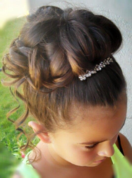 Pin By Anna Beth Freeman On Wedding Hair Junior Bridesmaid Hair Kids Updo Hairstyles Flower Girl Hairstyles