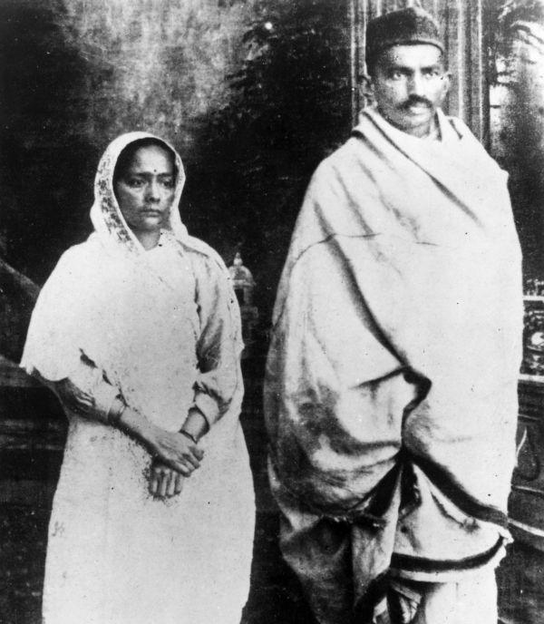 Rare Photos Remembering The Mahatma Historia