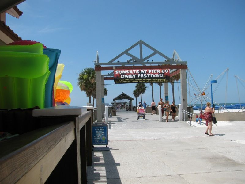 Foot of Pier 60 with the very popular concession stand on the left. #clearwaterbeach