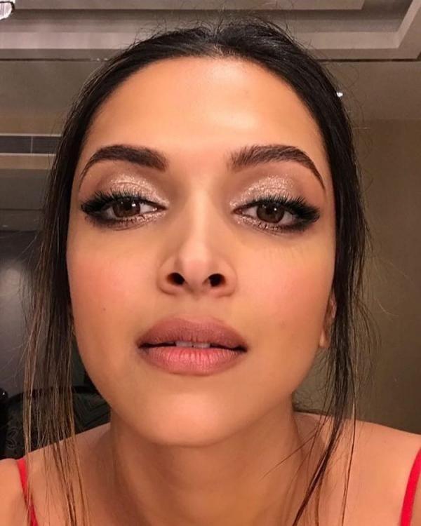 Deepika Padukone S Recent Beauty Looks Will Totally Inspire Your Weekend Makeup Deepika Padukone Makeup Weekend Makeup Indian Skin Makeup
