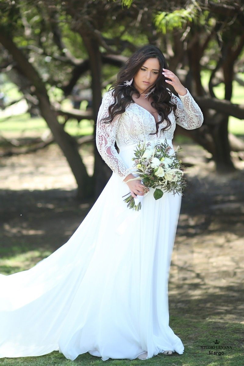 Bohemian plus size wedding gown with long detachable