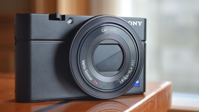Sony Rx100 This Is How You Cram A 1 Inch Sensor And Wide Aperture Lens Into A Point And Shoot Body Camera Sony Camera Photography Gear
