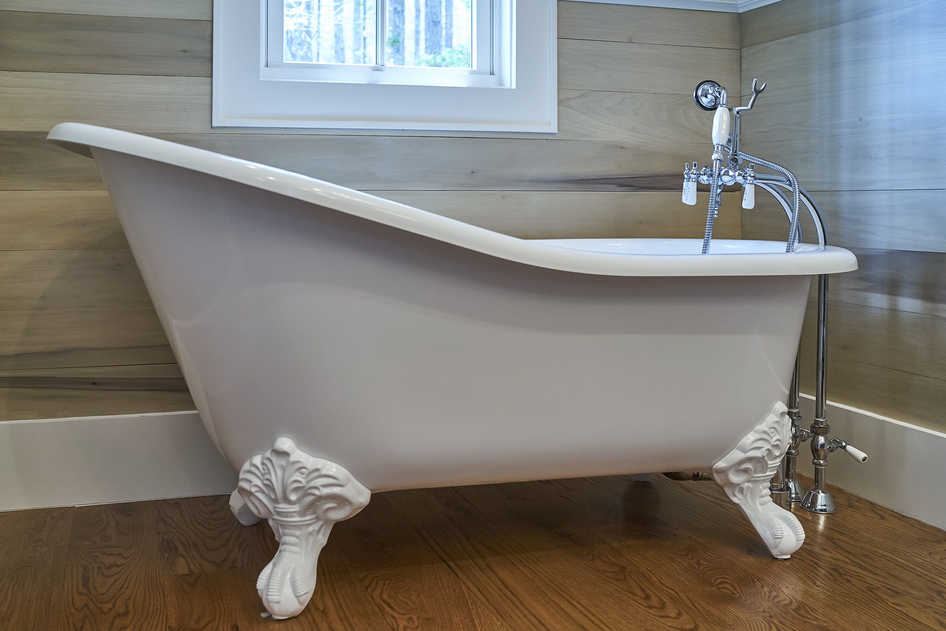 Gorgeous vintage style tub with legs in the Sweet Marsh Model by ...
