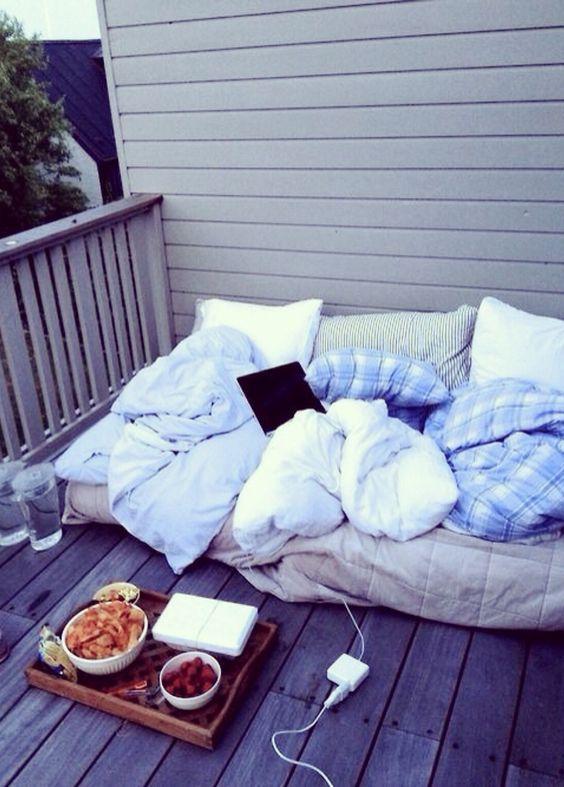 15 Gemütliche Und Einladende Balkon Schlafen Nook Ideen