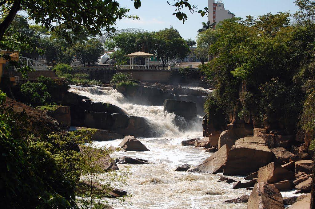 Salto (SP) - Complexo Turístico da Cachoeira