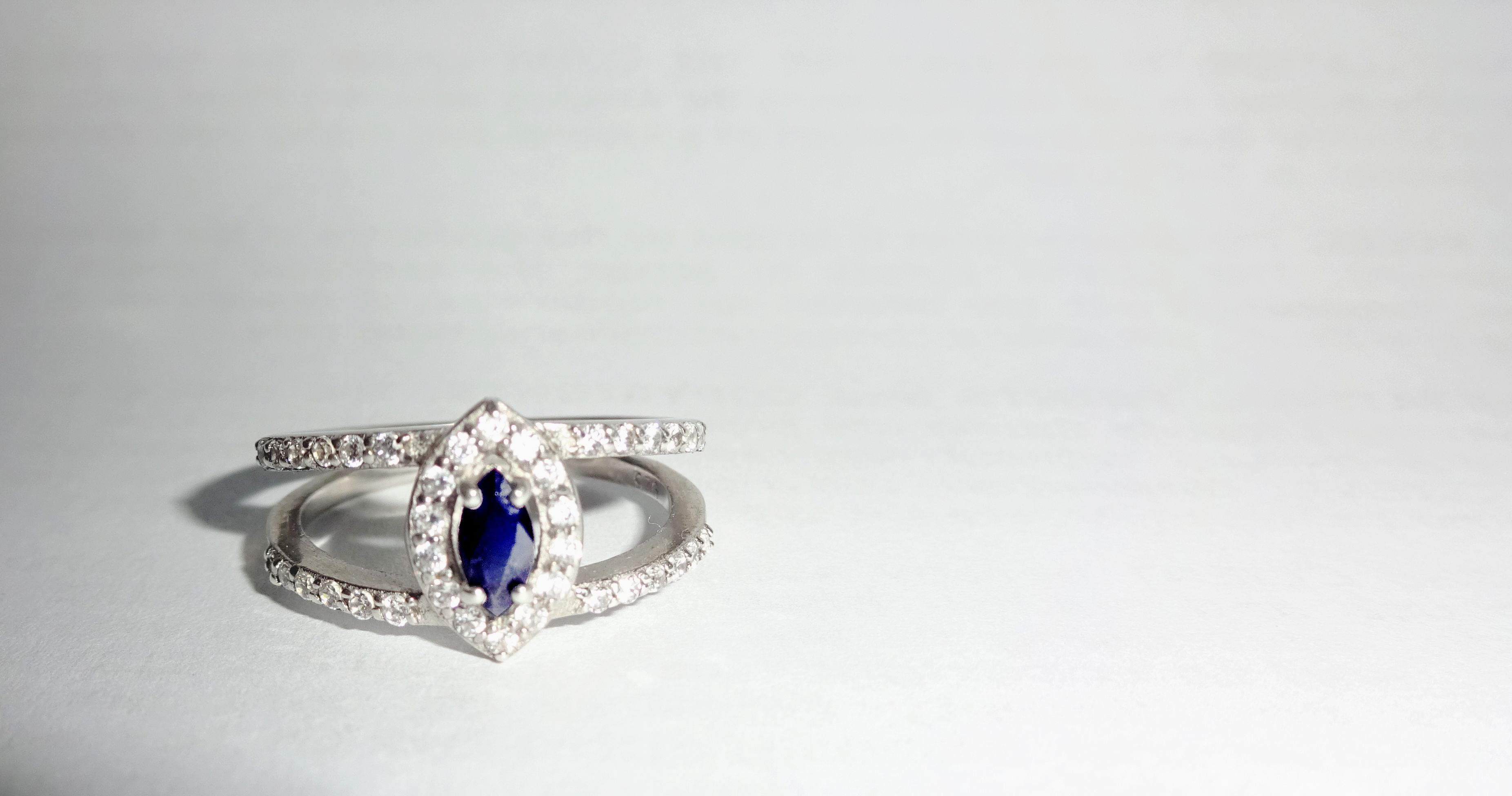 certified sapphire lab beautiful ct created pin blue dark gia sapphires oval natural cut aaa