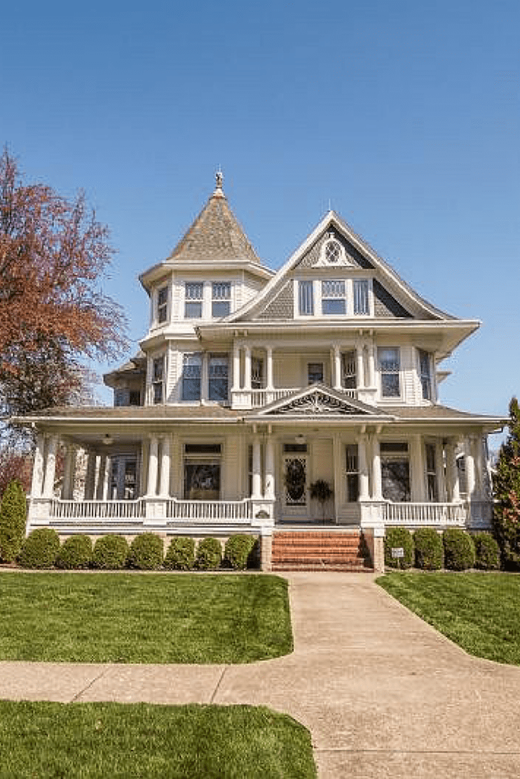 1910 Historic House For Sale In Shenandoah Iowa — Captivating Houses