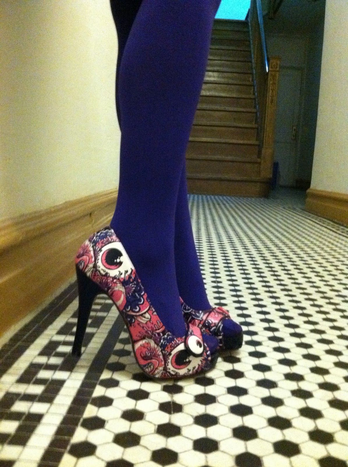 Tights with peep toe heels?   GBCN   How to wear...TIGHTS ...
