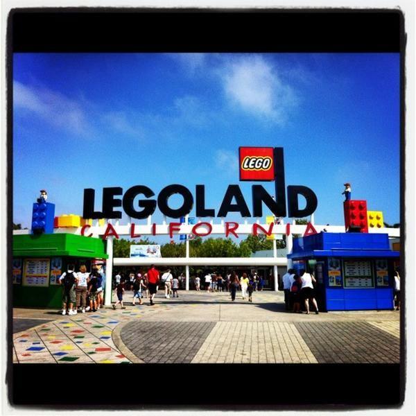 Çocukların en çok sevdiği oyuncaklardan biri hiç şüphesiz lego. Efsanevi oyuncağın birkaç kutusu bile hazine değerindeyken, legolardan oluşan bir dünya olan Legoland California'ya gitmenin çocuklar için ne kadar muhteşem olduğunu düşünün! #maximumkart #çocuklariçin #lego #LegolandCalifornia #oyuncaklar