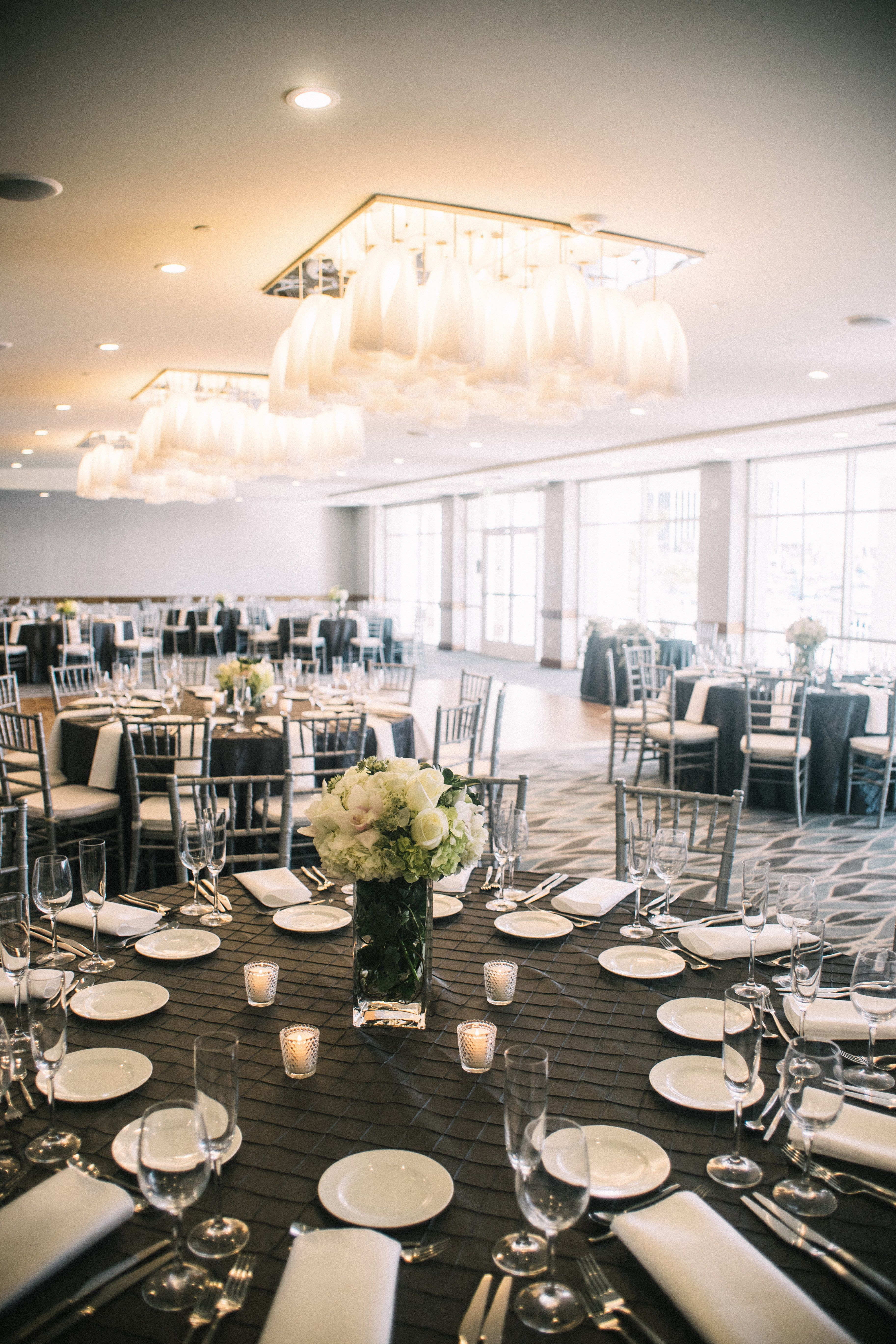 Grey And White Wedding Reception In The Regatta Ballroom At Marina Del Rey Hotel: Grey White Wedding Venues At Websimilar.org