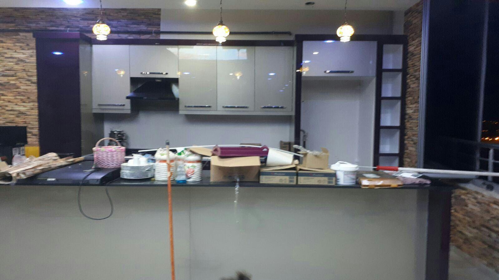 Koyu renkli modern bambu mutfak dolab modeli moda dekorasyonlar - Kitchen Rugred Kitchenkitchen Ideasopen Shelvingtable And Chairsravesexpressed