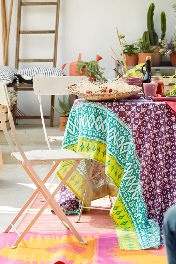 Food And Friendship Go Together. Eat, Drink And Hang Out In Your Urban Oasis