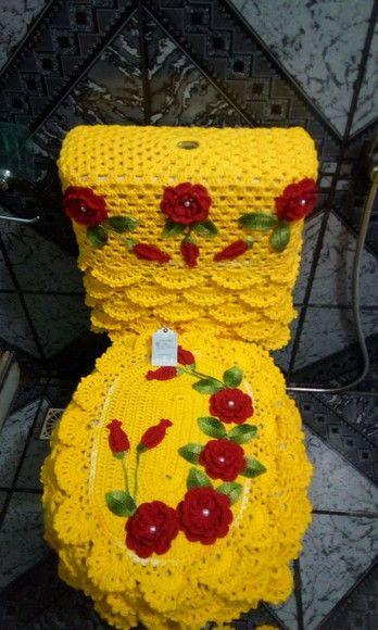 Jogo de banheiro rendado com flores