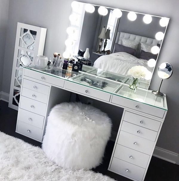 Photo of New (never used) makeup mirror and 5-drawer desk for 1399.00 USD available in… #used #delivered #new # Desk #drawers #mirror #vanity – WOHNKULTUR