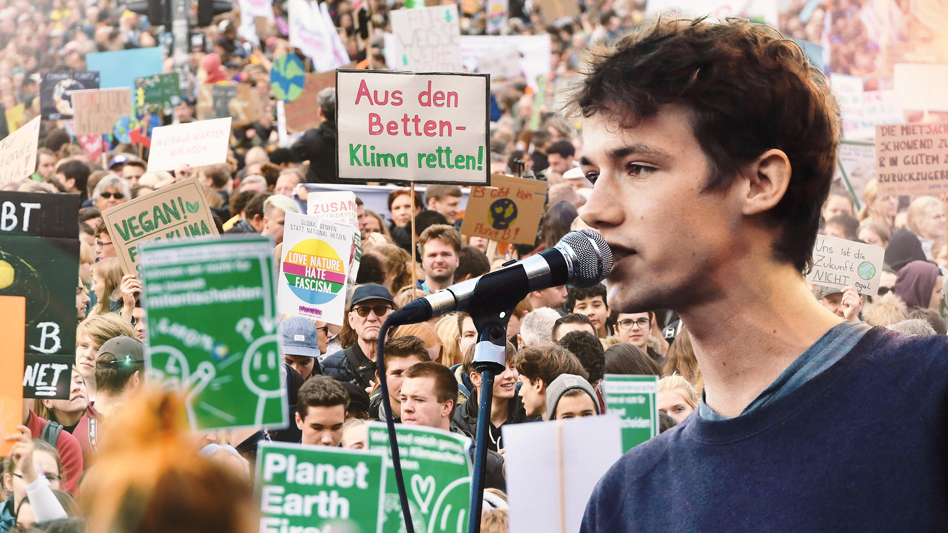 Wer Ist Der Mann Der Die Klima Hymne Singt In 2020