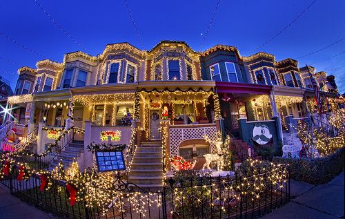 Miracle on 34th Street - Hampden Neighborhood of Baltimore - Miracle On 34th Street - Hampden Neighborhood Of Baltimore