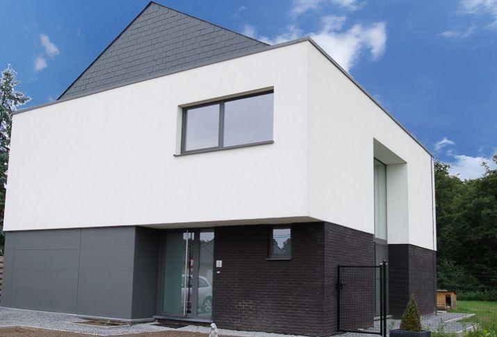 Witte crepi bij een alleenstaande moderne woning for Crepi maison moderne