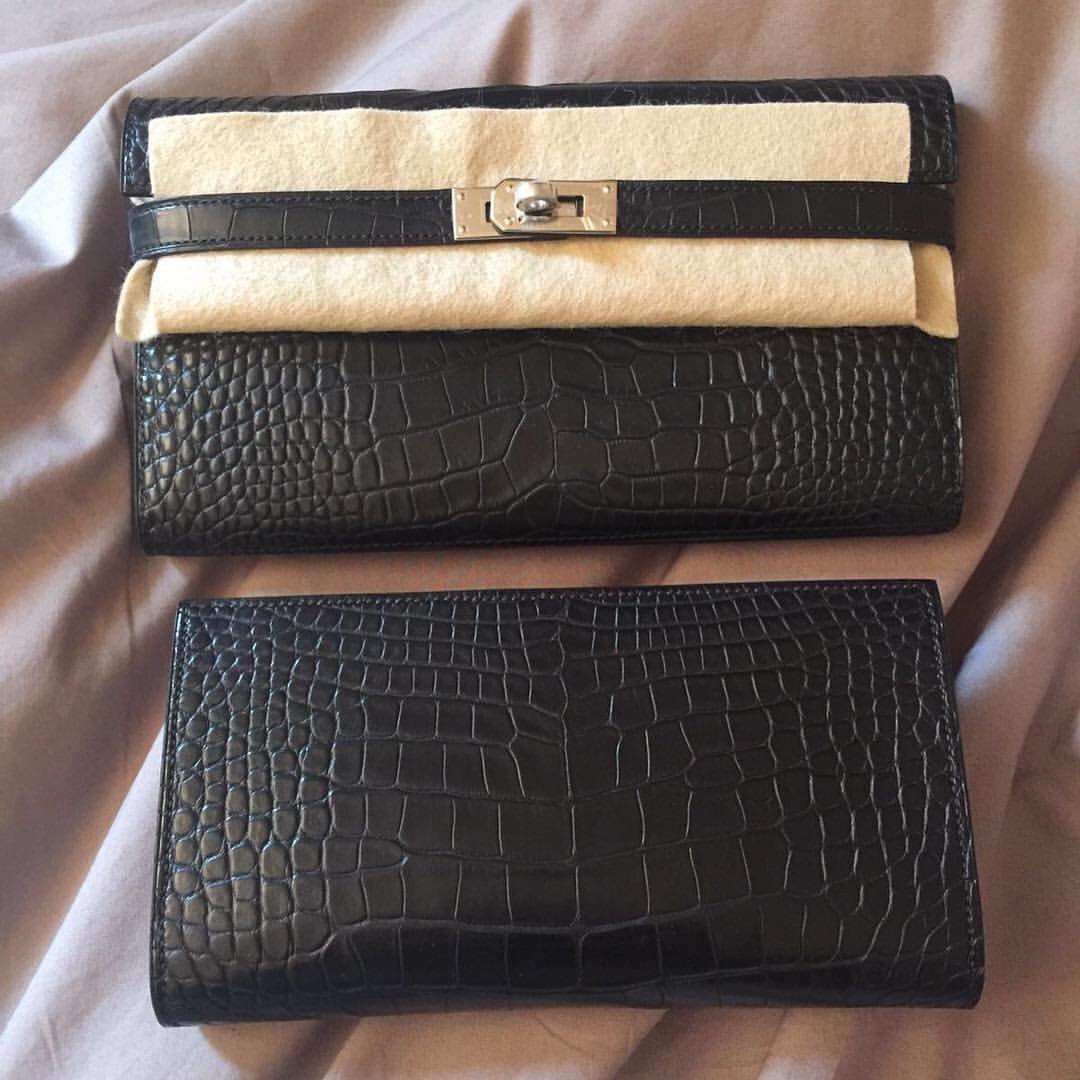 Hermes - Croc Kelly purse.