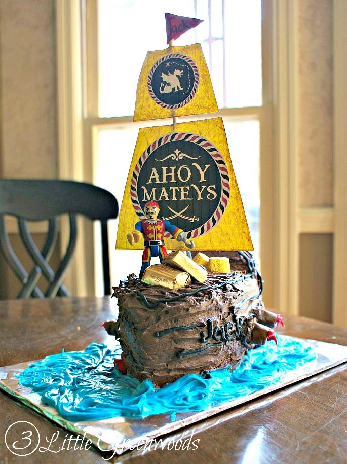 How to Make a Pirate Ship Birthday Cake Pirate ship cakes Pirate