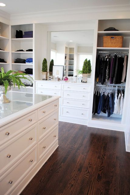 LOVE the built-in dresser look with the mirror above. Corner ...