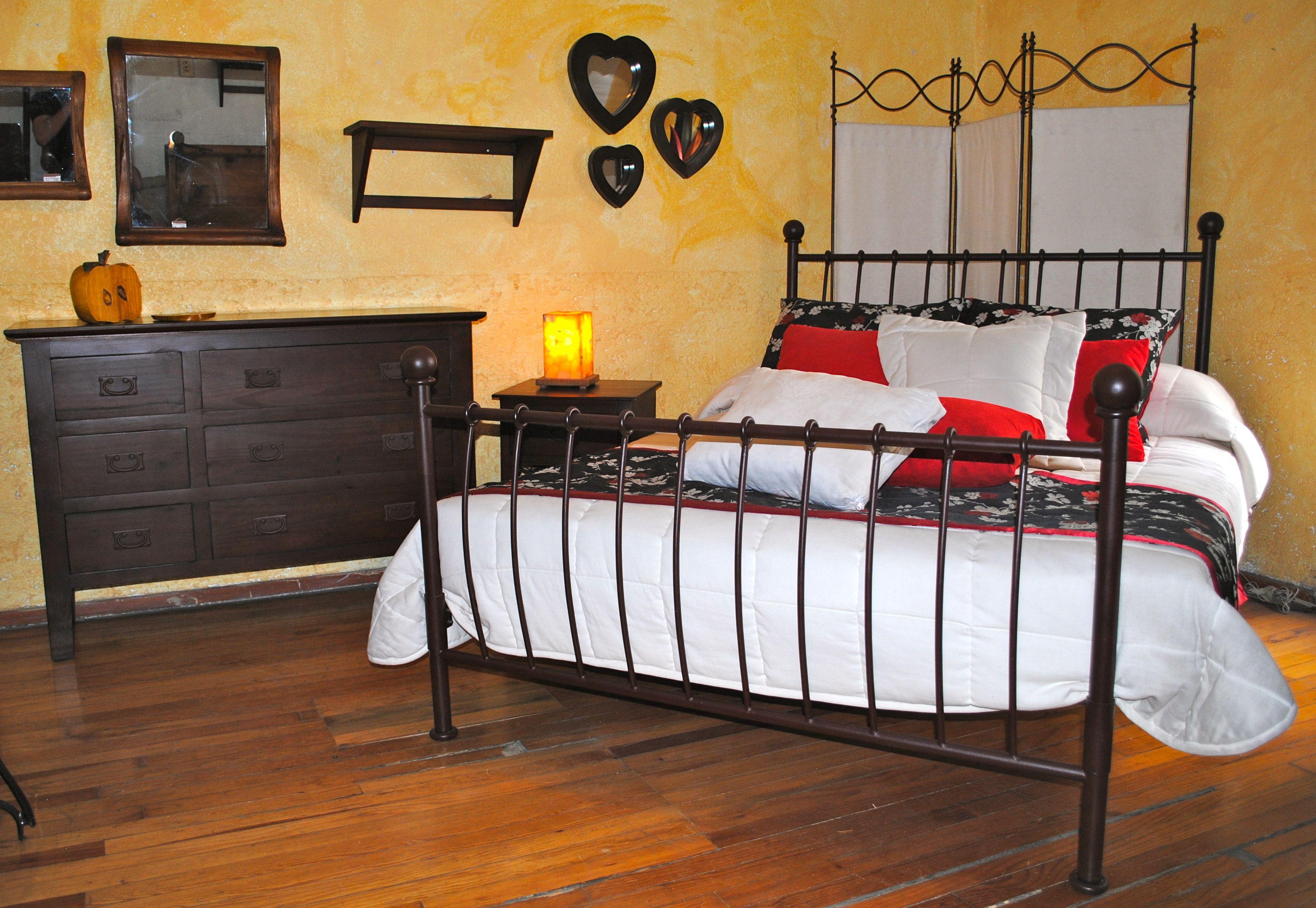 Cama de hierro forjado Matrimonial. $ 7,129 MN | Semillero Muebles ...