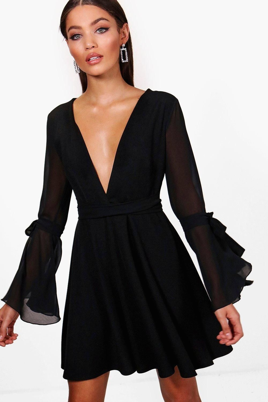 Chiffon Flared Sleeve Skater Dress Boohoo 1000 Fashion Lil Black Dress Short Dresses [ 1500 x 1000 Pixel ]