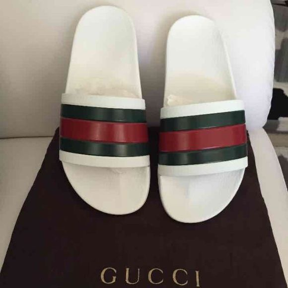 f5d59e88cd1a9 Shop Men s Gucci White Green size 6 Sandals   Flip-Flops at a discounted  price at Poshmark. Description  Gucci rubber slides white -green -red brand  new no ...