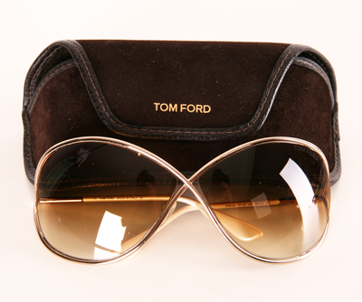 Tradesy – Buy   Sell Designer Bags, Shoes   Clothes. Óculos Tom Ford ... bee9948a21