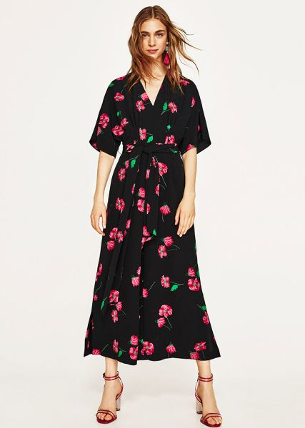 7f153986ec79 15 Floral Dresses For Women Who Hate Flowers
