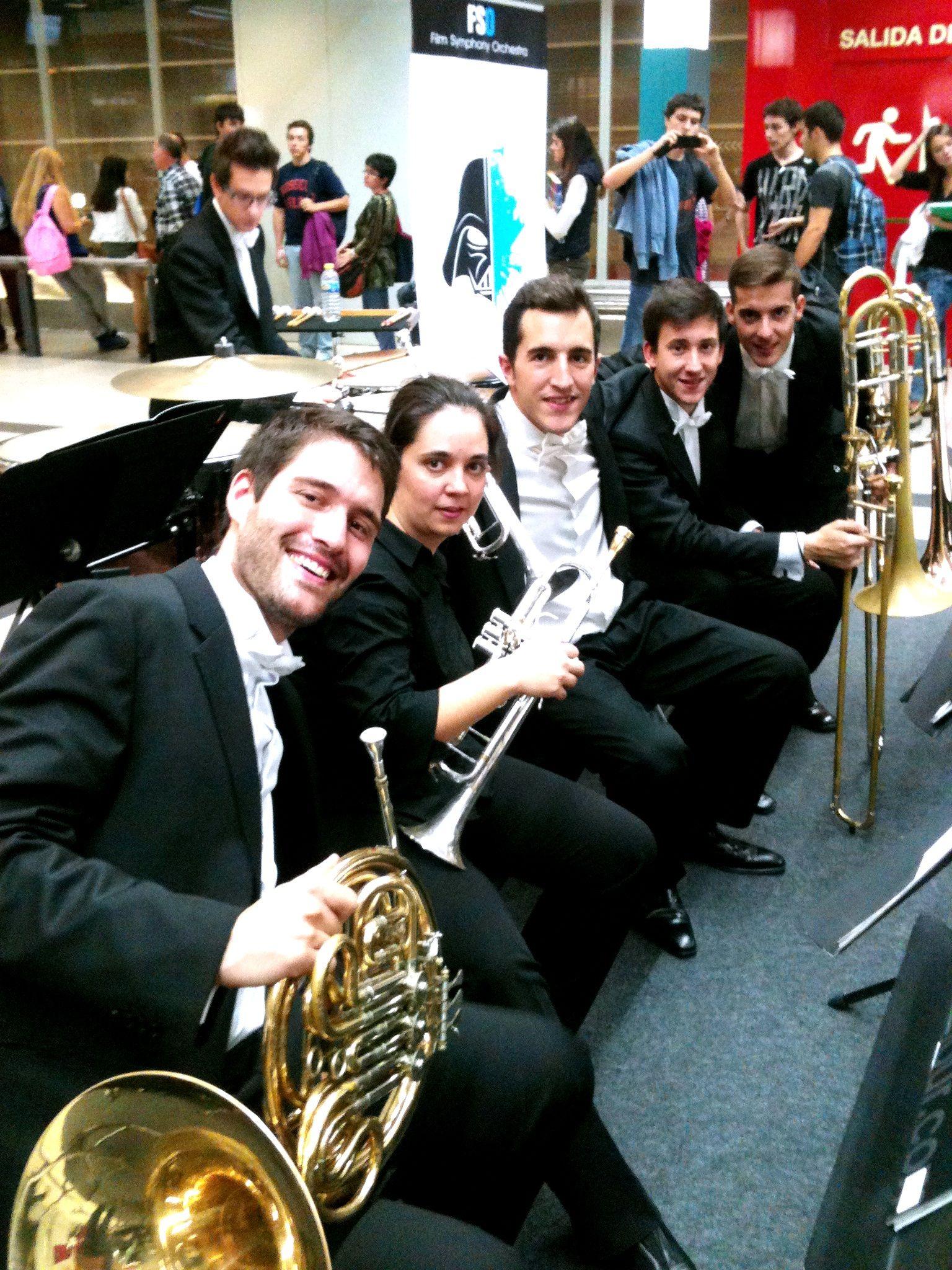 ¡Qué banda más maja tenemos! #fsorchestra #trompetas #trompetistas #viento #instrumentos #madrid #moncloa
