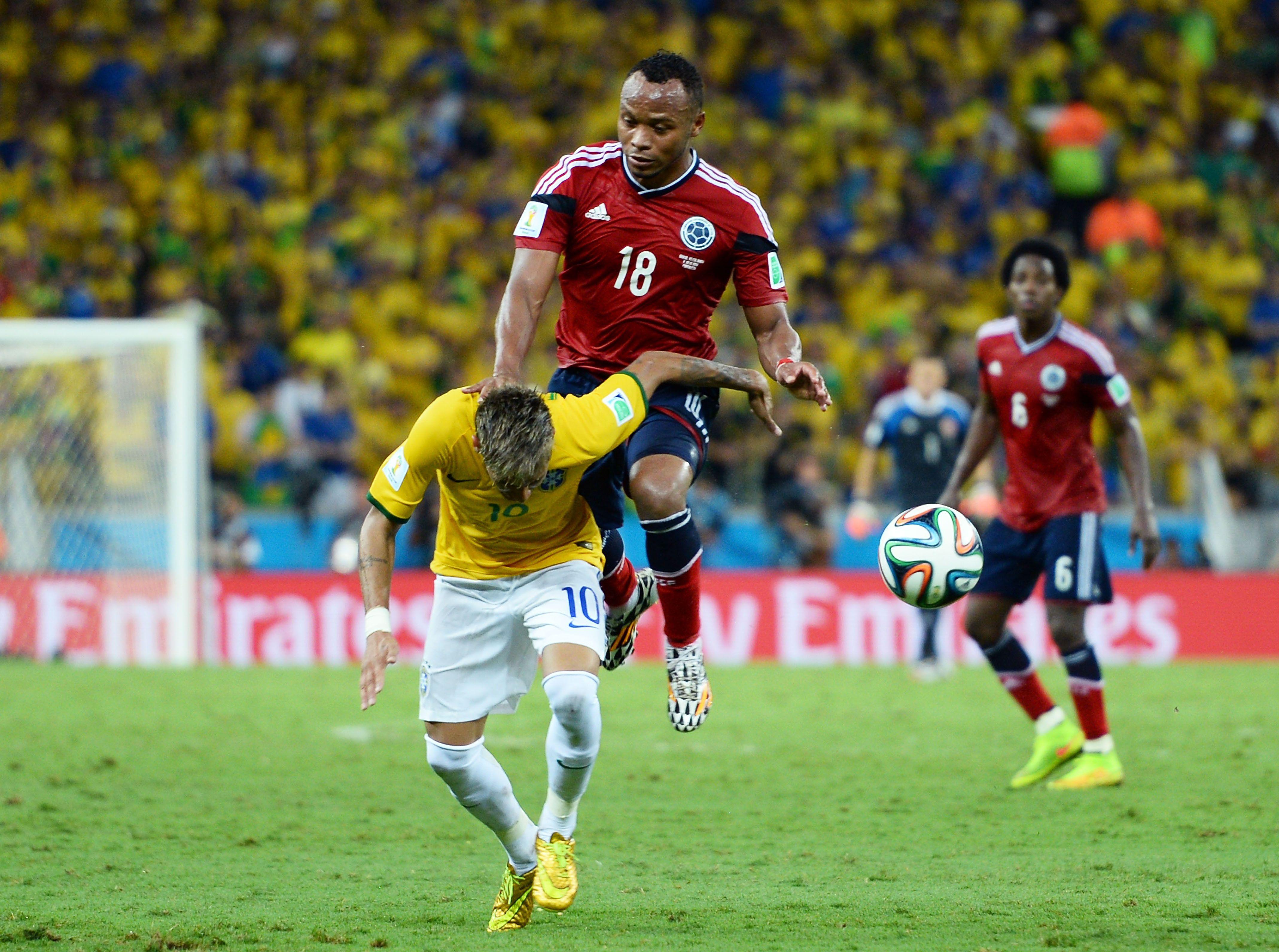 2014 World Cup Neymar Out Of Tournament Ith Fractured Vertebra Neymar World Cup Soccer World