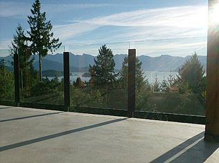 Glass Panel Railing Allowing Panoramic View