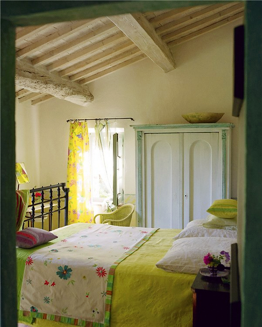 Charming Country Kitchen Decorations With Italian Style: Pretty Cottage Bedroom With Painted Timbers And A Sunny