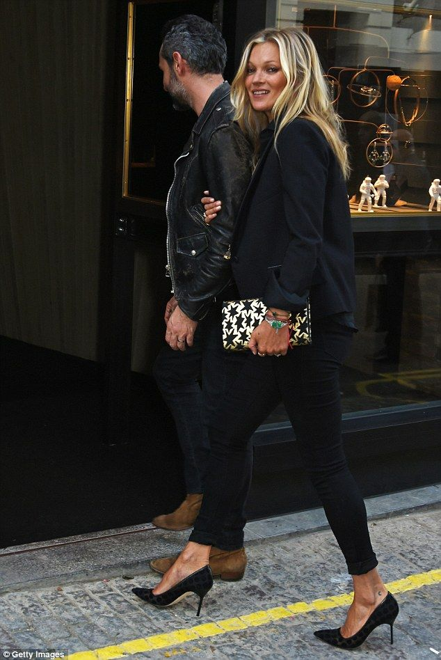 Kate Moss pays a visit to Ara Vartanian's new jewelry shop in Mayfair | Kate…