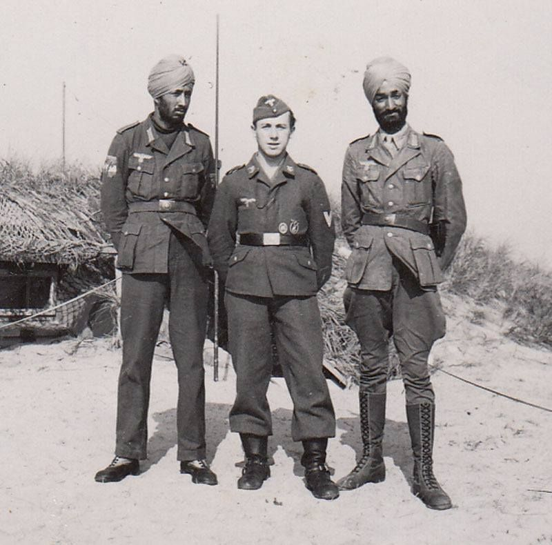 Sikh volunteers of the Freies Indien legion with a German ...