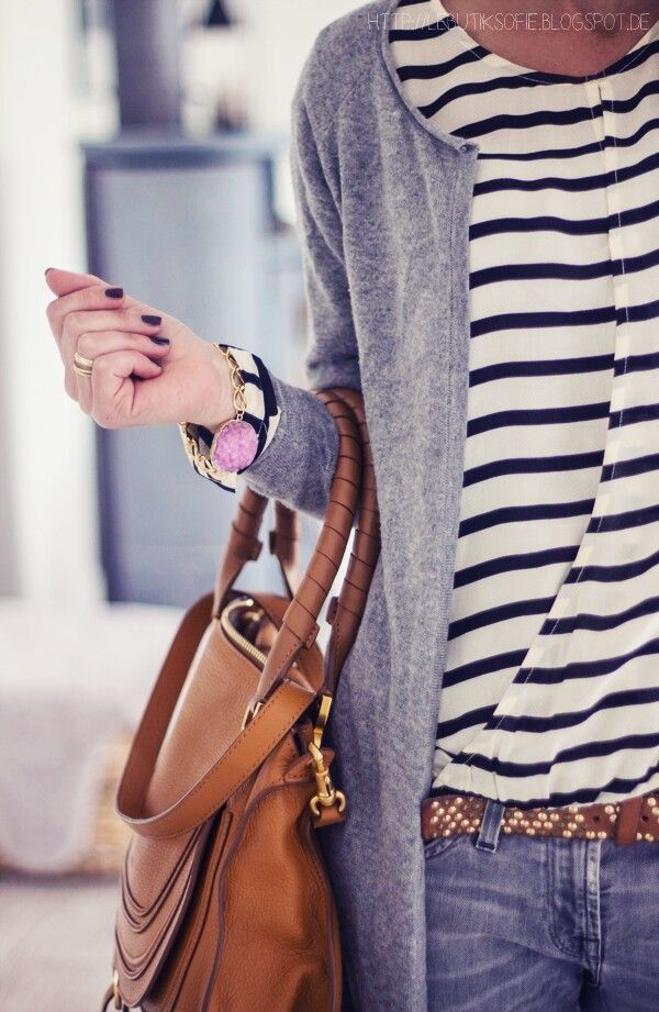 simple outfit   Raddest Women's Fashion Looks On The Internet: http://www.raddestshe.com