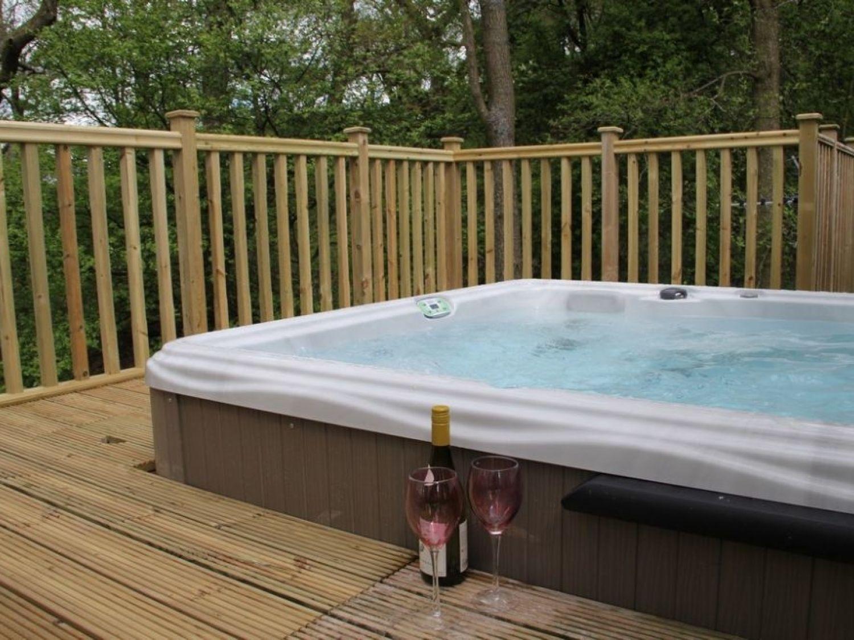 Retreat Lodge Lodges Cottage Outdoor Decor