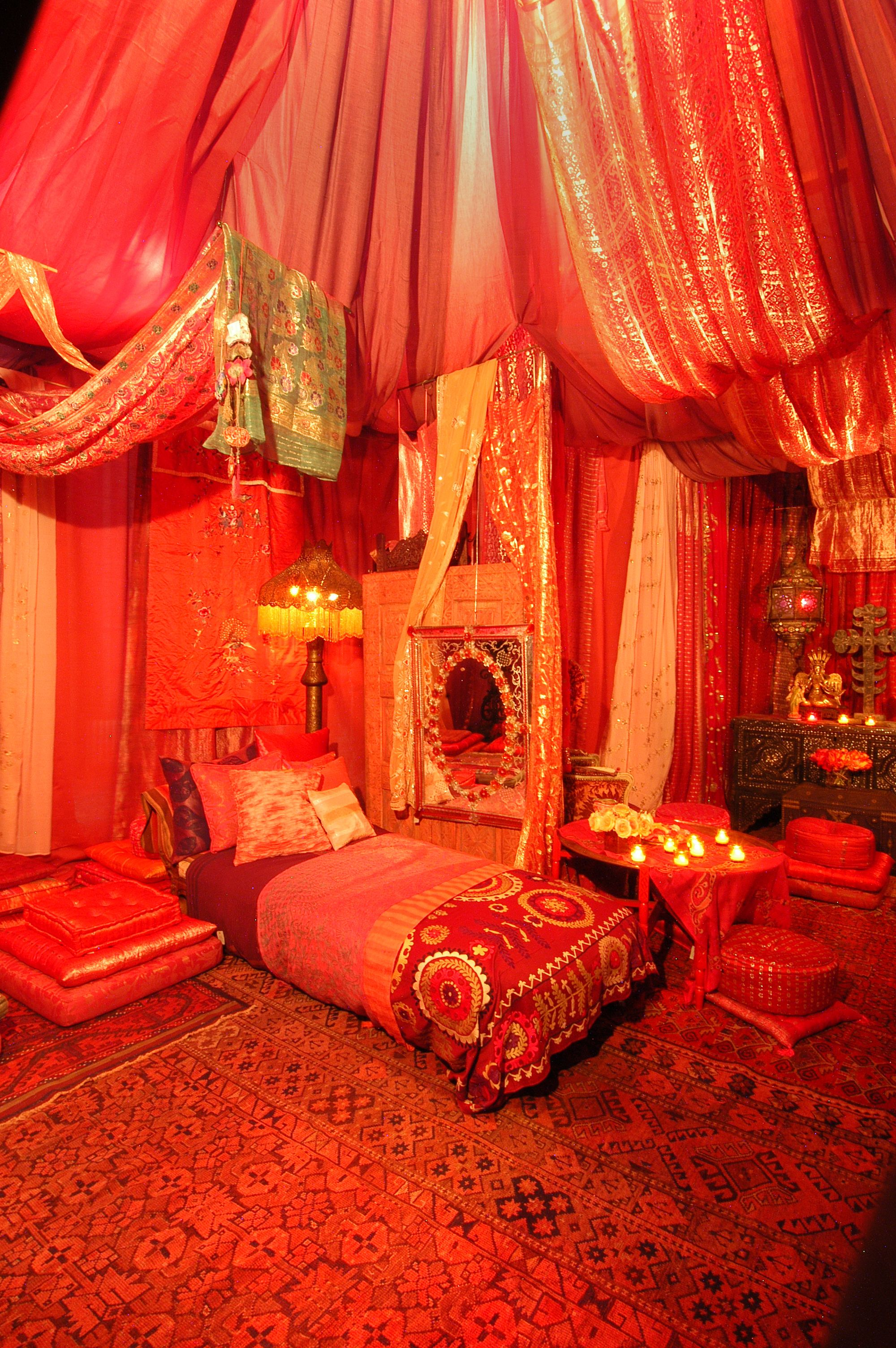 ABC Carpet u0026 Home Store Red Tent ... & ABC Carpet u0026 Home Store Red Tent 2005 | Red Tent Movie ...