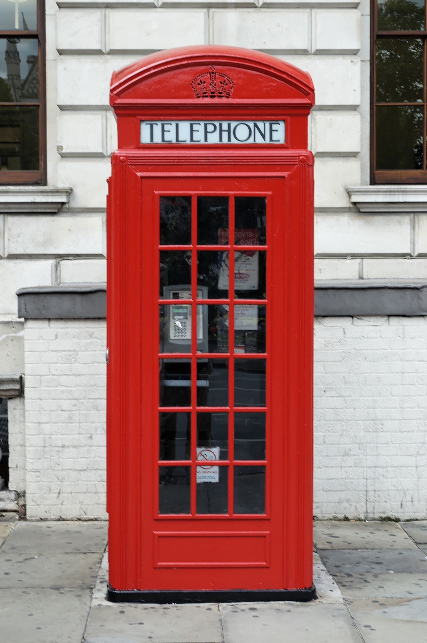 7a0763f31bd London telephone booth