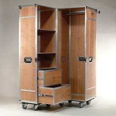 wardrobecase elm wood flightcase schrank ulmenholz und aluprofile auf rollen raum f r dinge. Black Bedroom Furniture Sets. Home Design Ideas