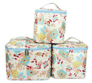 Дешевое Зазор цена ( 3 шт./компл. ) мэри K ' свежий стиль сумка комплект MaryK ' мода корейский стиль multi размер косметички бесплатная доставка, Купить Качество Косметички непосредственно из китайских фирмах-поставщиках:  Мэри k' свежий стиль мешок набор             Содержание: 3 пакета(ов) в общей сложности (большой + Средний + малень