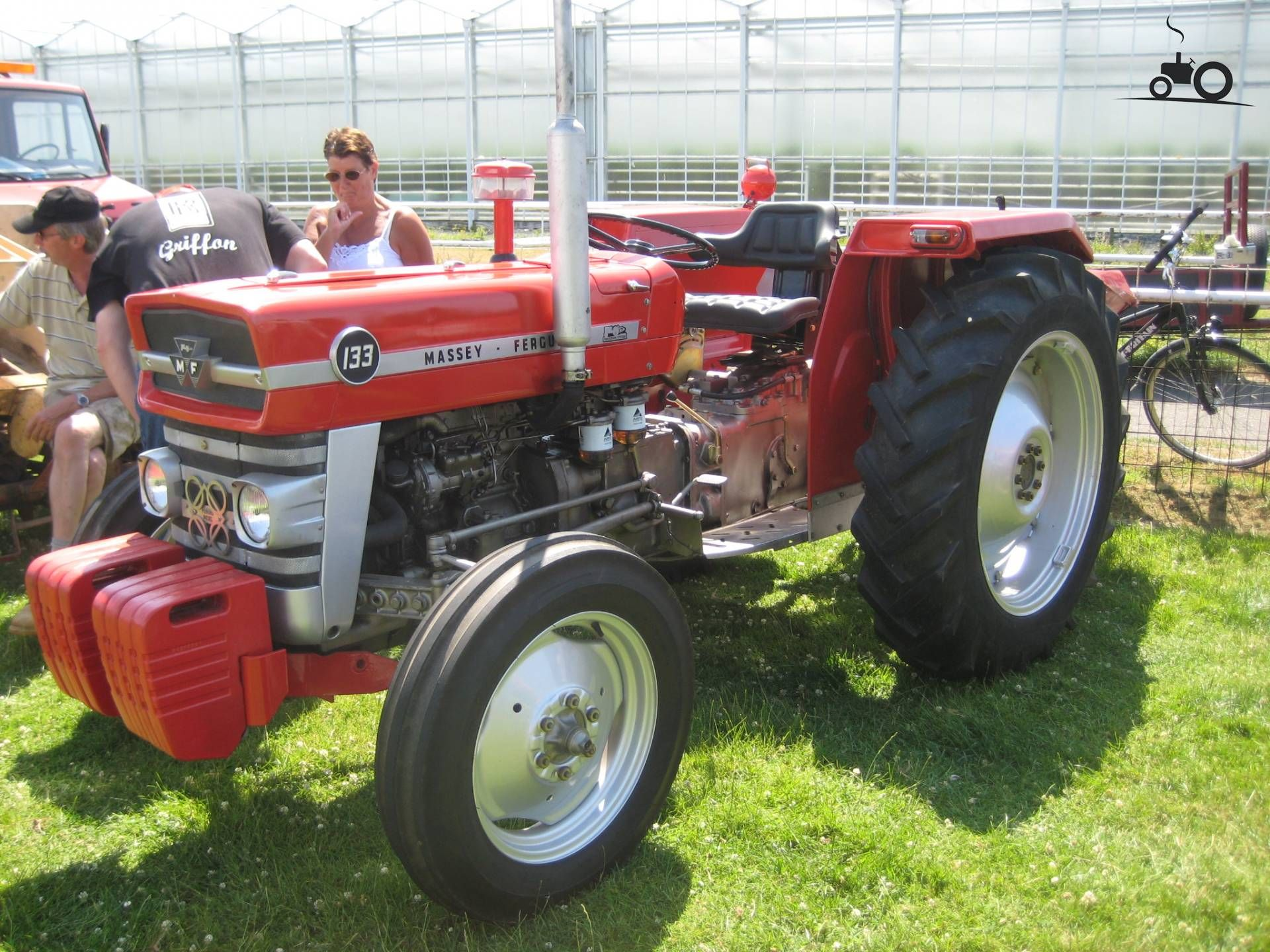 Massey-Ferguson 133