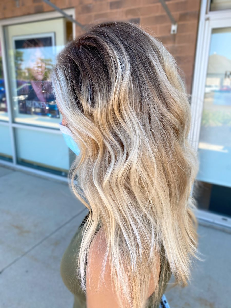 Vanilla blonde balayage with dark root  #vanilla #blondehair #balayage #blondehaircolor #hairstyles #livedinblonde #livedincolor