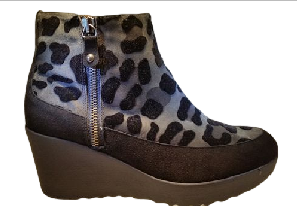 Pedro anton leopard boot 25804 grey via ollyander.com. Click on the image to see more!