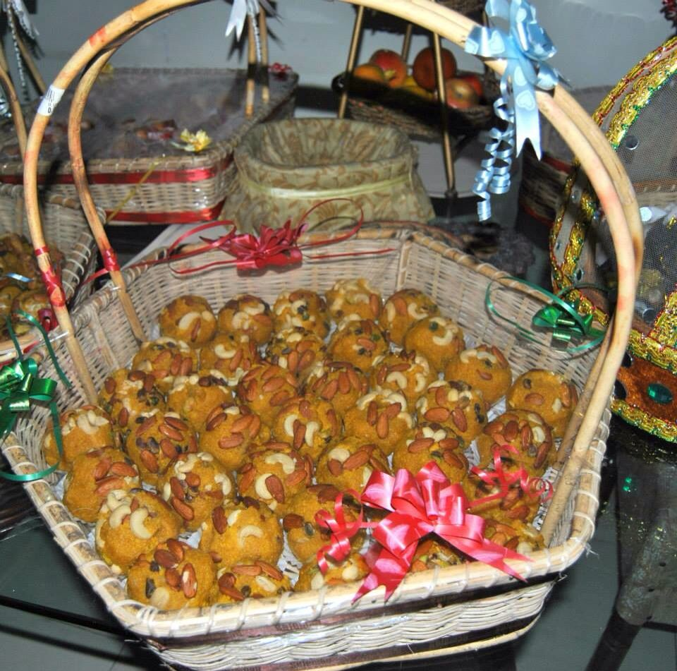 Mithai Basket Pakistani Wedding Ideas Wedding Pakistani Decor