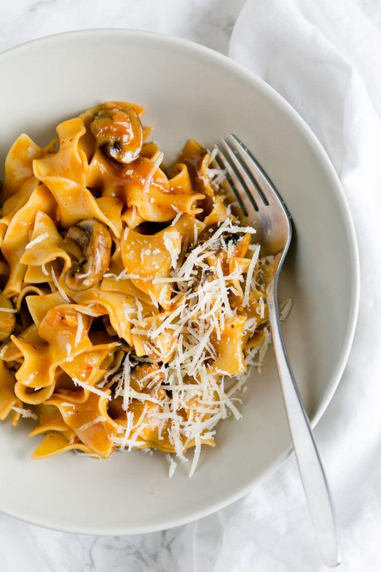 Pasta mit Champignons und Rotwein-Tomatensauce - Futter für die Seele - Kuechenchaotin