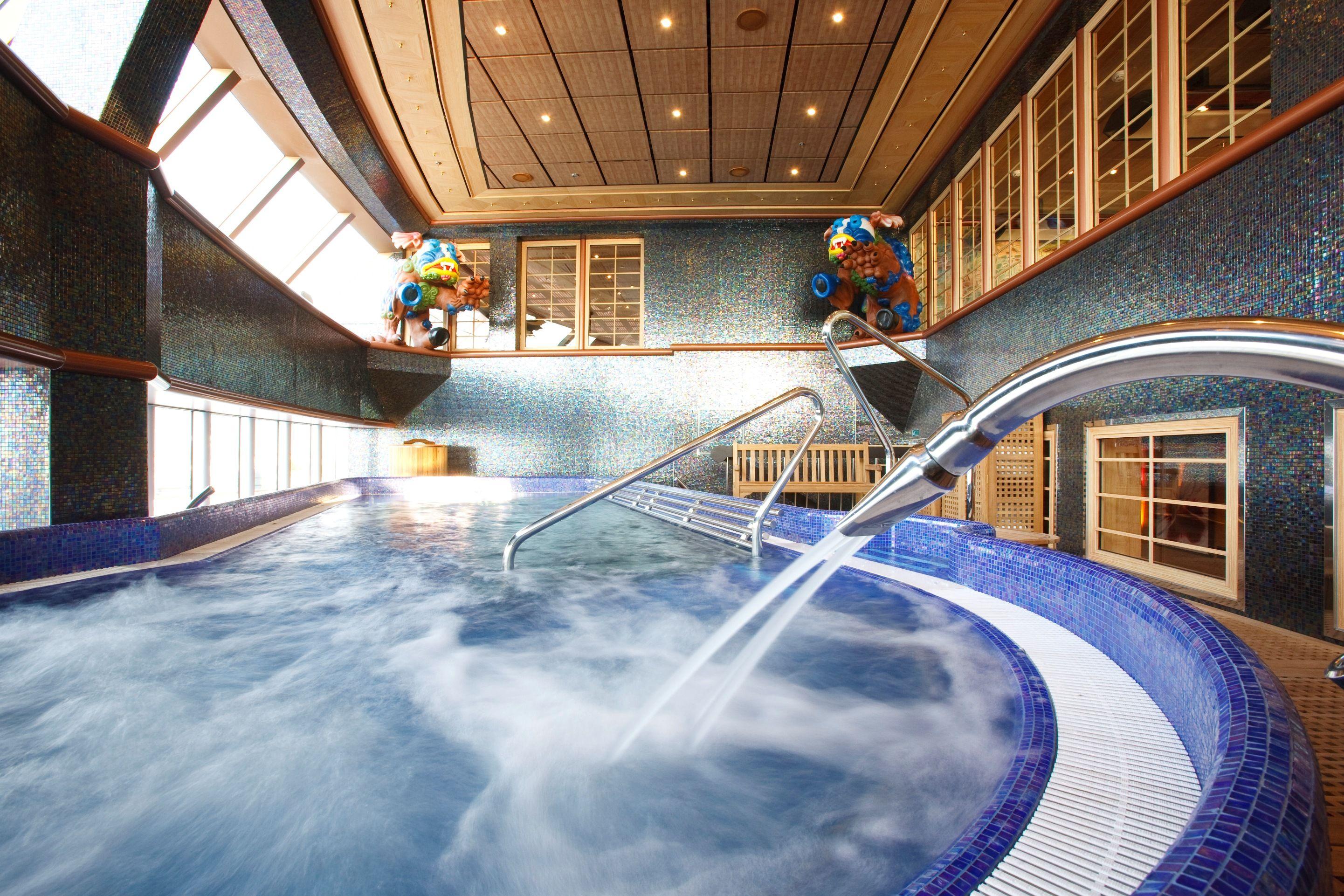 Ducha Escosesa En Costa Deliziosa Costa Cruises Greek Isles Cruise Cruise